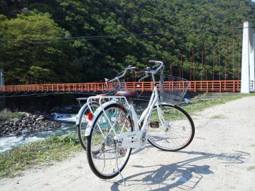 娘とサイクリング(吊り橋)