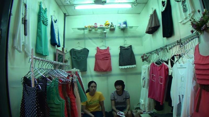 21-105-164 女性服.JPG