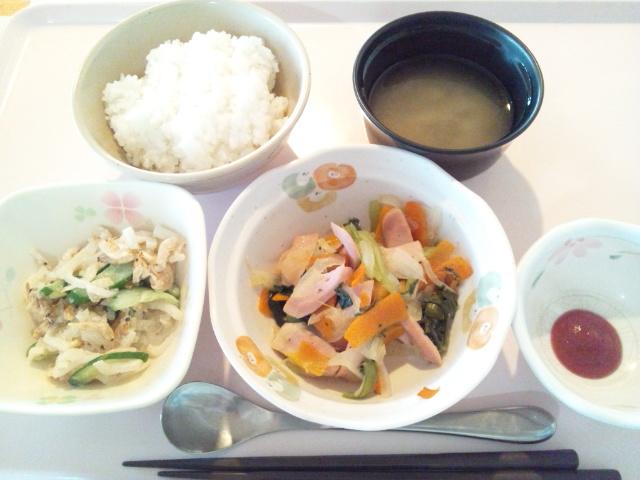 魚肉ソーセージ入り野菜炒め