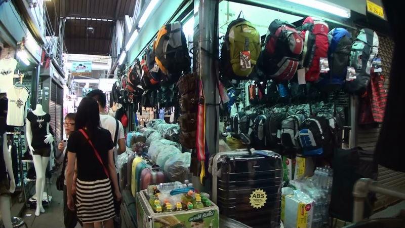 20-47-228 リュック スーツケース.JPG