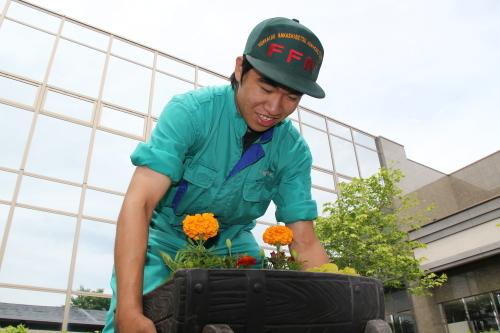 2013_07_11_農高生病院にプランター寄贈_005.JPG