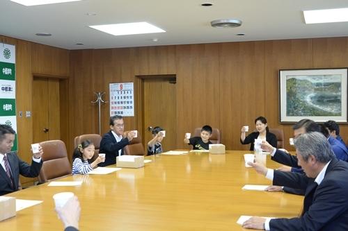 2015_09_25_「牛乳で乾杯」標語募集にかかる入選作品表彰式_032.JPG