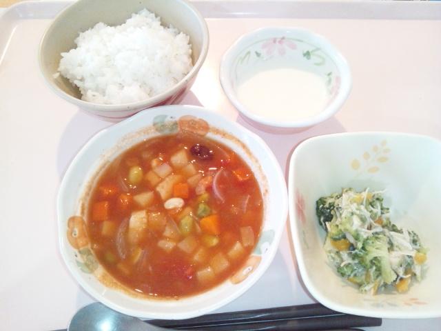 シーフードと豆のトマト煮