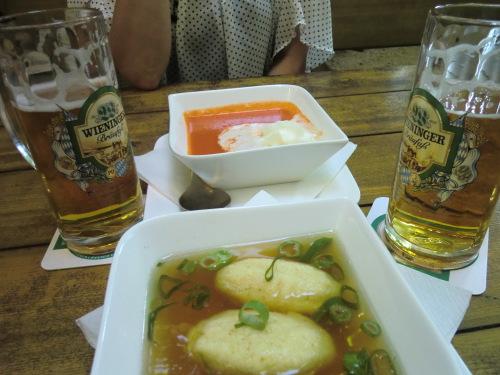 CIMG1569スープとビールグリースノッケルスッペ.JPG
