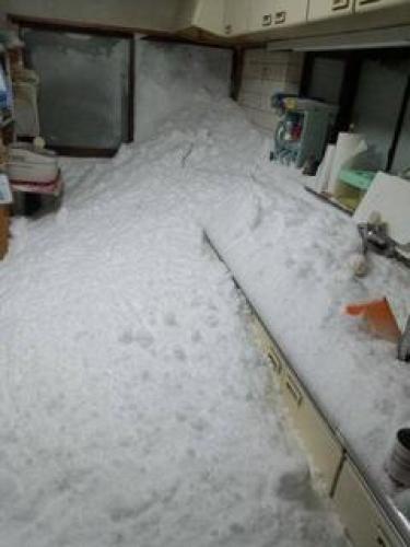 雪がキッチンを襲った風景.jpg