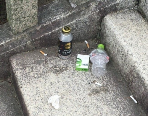 鶴舞公園-ゴミ
