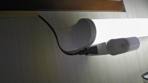 階段灯の電源ケーブル