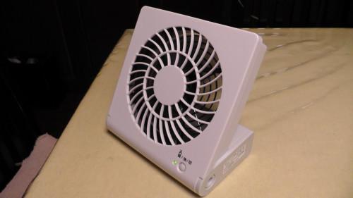 コンパクトデスク扇風機
