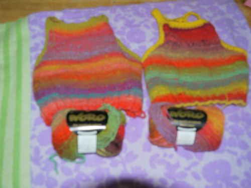 二人のセーター2.JPG