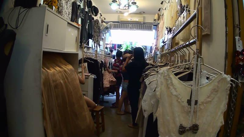 2-54- 女性服.JPG