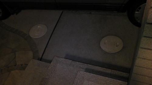 2つの雨水枡は玄関前
