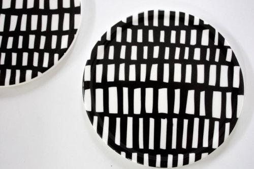 個性的なモノトーンのパターンが独創的なシックな北欧柄 LAGERHAUS ラガハウスのモノトーン雑貨 WAGAYA (わがや) WAGAYA Junjunセレクト インテリア雑貨 外でも使えるオシャレで個性的な白黒パターンのコースター.jpg