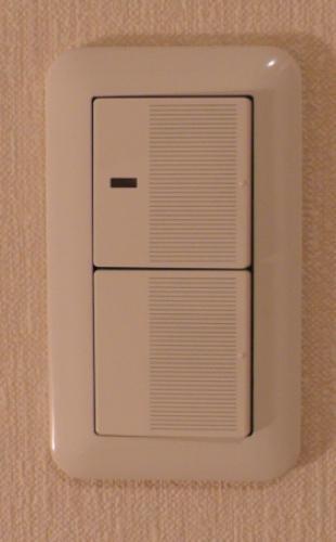 2階にある階段と廊下のスイッチ
