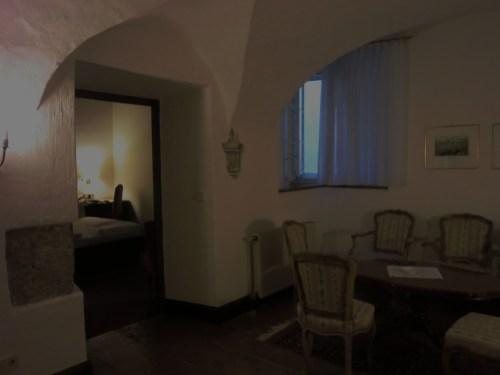 CIMG1567ホテルの中の間.JPG