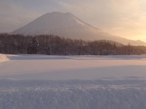 2015ニセコ羊蹄山と日の出.jpg