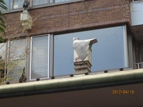 IMG_2105屋根のフクロウ.jpg