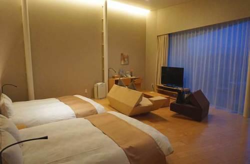 ホテルの部屋a160308.jpg