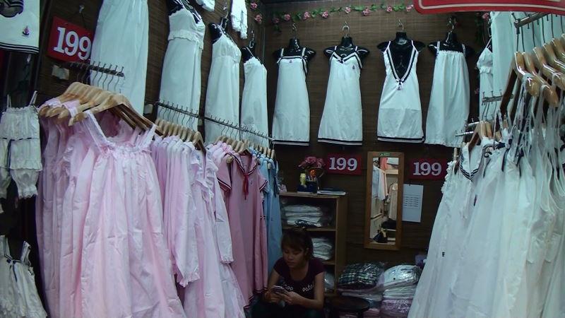 21-36-31 女性服.JPG