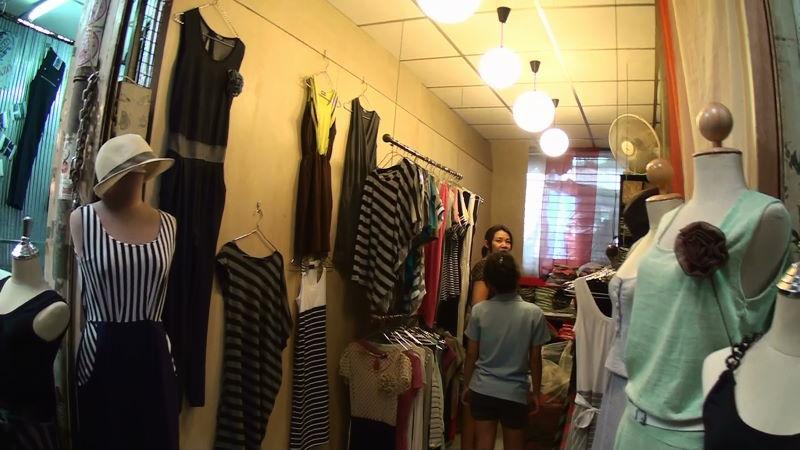 20-99-158 女性服.JPG