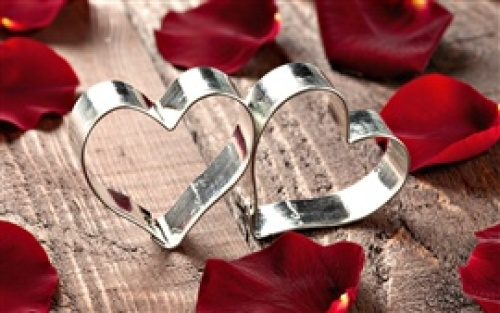 Heart-shaped-metal-ring_s.jpg