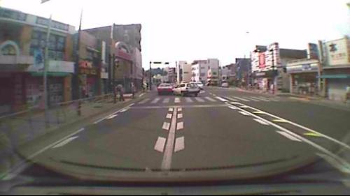 タクシーの後部に衝突