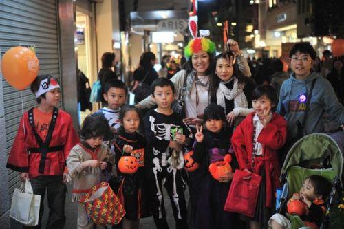 ハロウィン2012元町.jpg