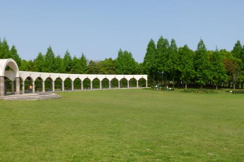 10水と緑の音楽広場.JPG