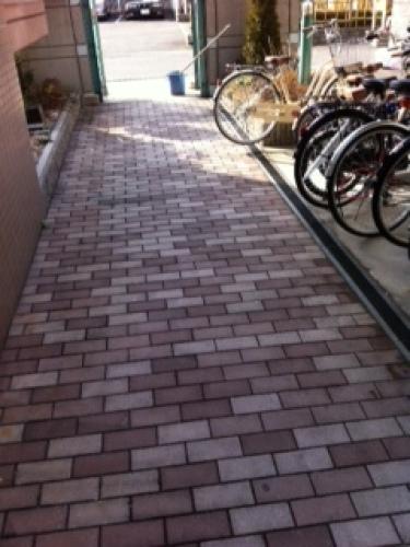 自転車置き場清掃後.jpg