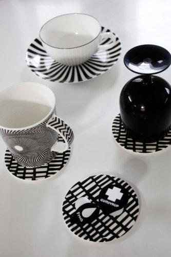 シンプル・シックな大人モノトーン インテリア雑貨 テーブルウェア WAGAYA (わがや) WAGAYA Junjunセレクト 白黒雑貨 個性的で存在感のある白黒パターンのコースター.jpg