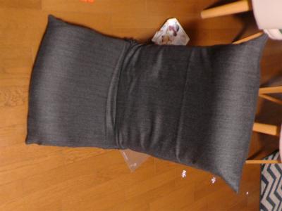 もう一個同じ座椅子に同じカバー作りましたが、これが2015年の縫い収めだったようで、次の記事に飛びます。