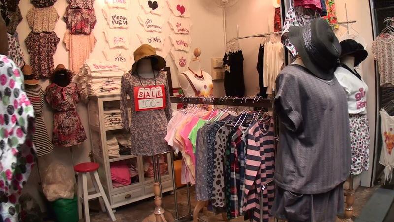 21-145-210~211 女性服.JPG