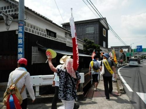 a01玉島で平和行進.jpg