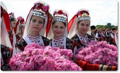 Kazanlik-roze-kolaz-2.jpg