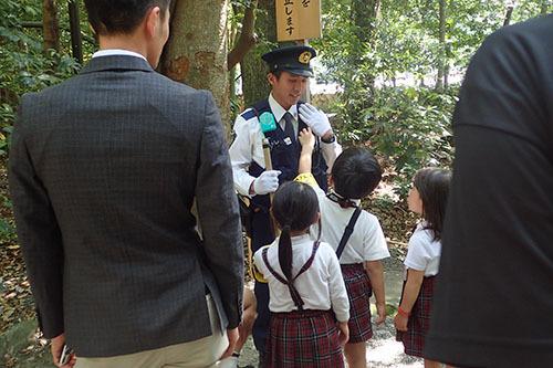 28警察官に.jpg