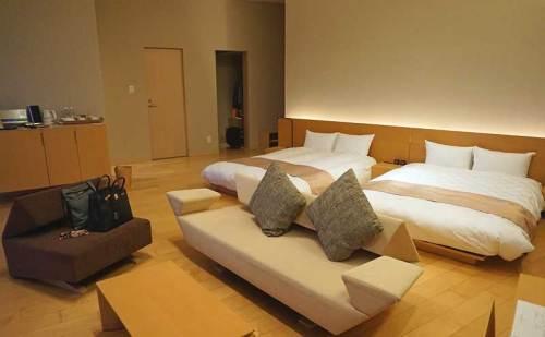 ホテルの部屋b160308.jpg