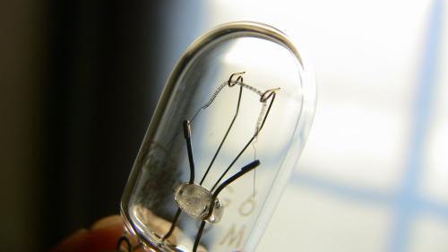 予備の電球