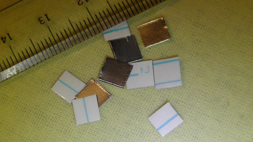 アルミ箔に両面テープを貼って5~6mmにカット