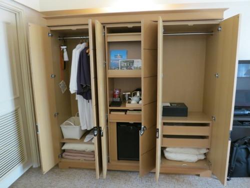 room-07.JPG