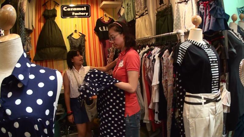 22-122-251 女性服.JPG
