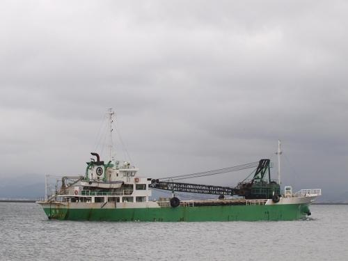 砂利運搬船