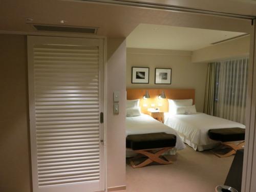 room-04.jpg
