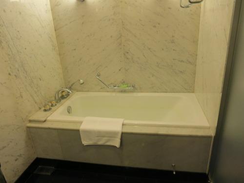 bath-04.JPG