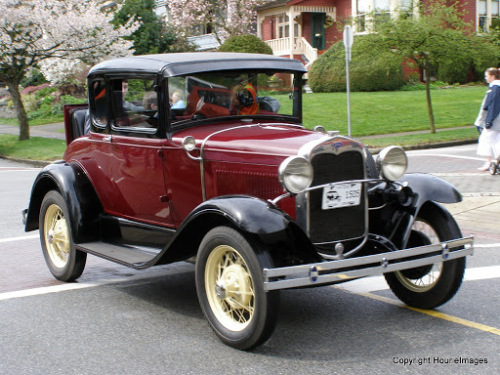 1930 Ford Model A 5-Window Coupe-5.JPG