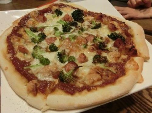 信玄豚のピザ.JPG