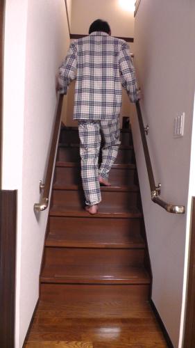 両側手すり階段の勧め