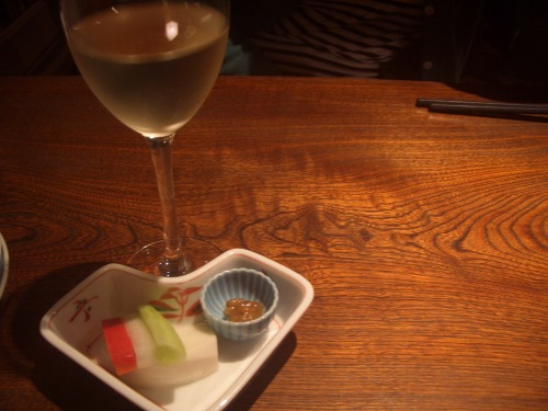 CIMG8780お漬物とワイン.JPG