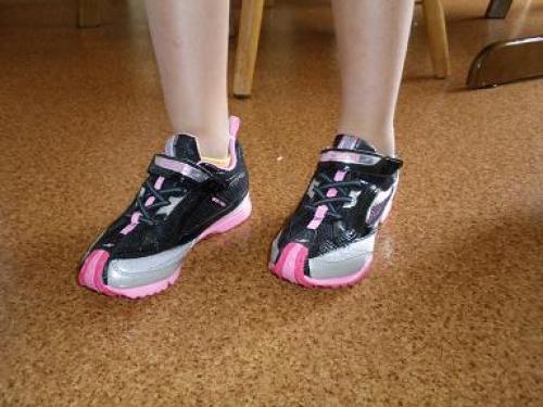 運動会用にバネ付の靴