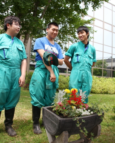 2013_07_11_農高生病院にプランター寄贈_025.JPG