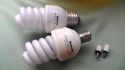 E17口金の電球型蛍光灯