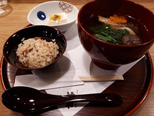 茅乃舎 汁や 東京駅店(グランスタ丸の内)博多雑煮セット